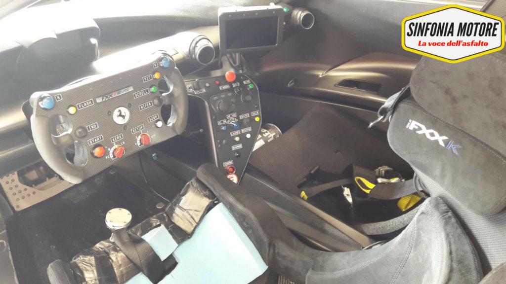 L'abitacolo della Ferrari FXXK EVO